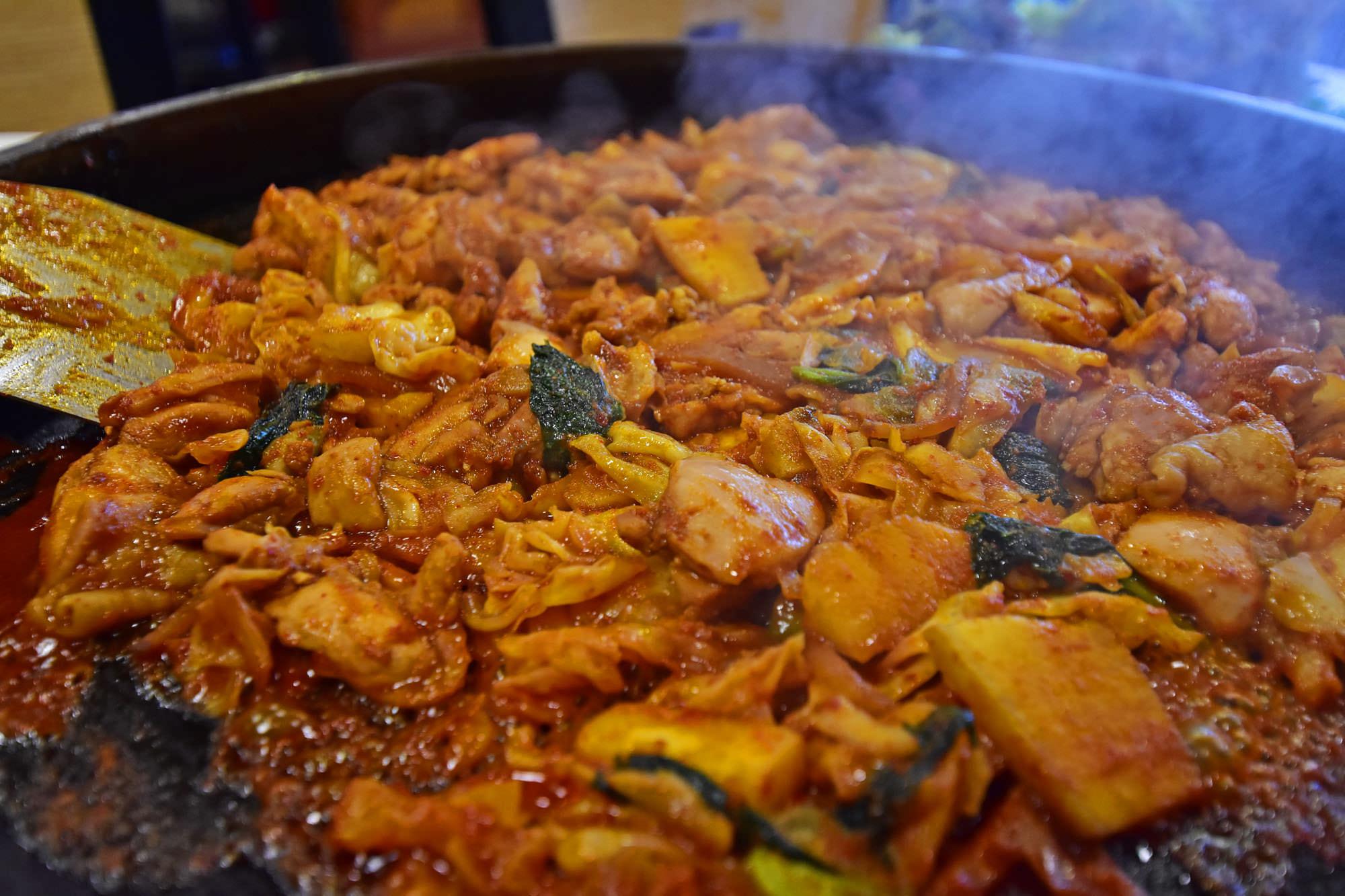 강촌식당 이미지 4